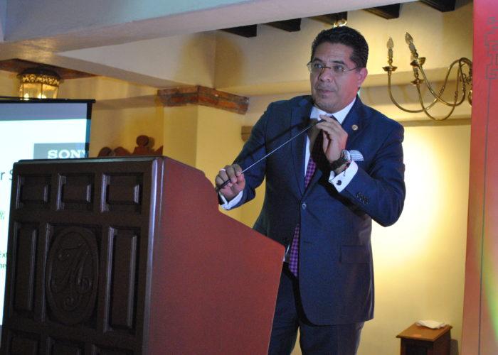 Senador Rabindranath Salazar Solorio