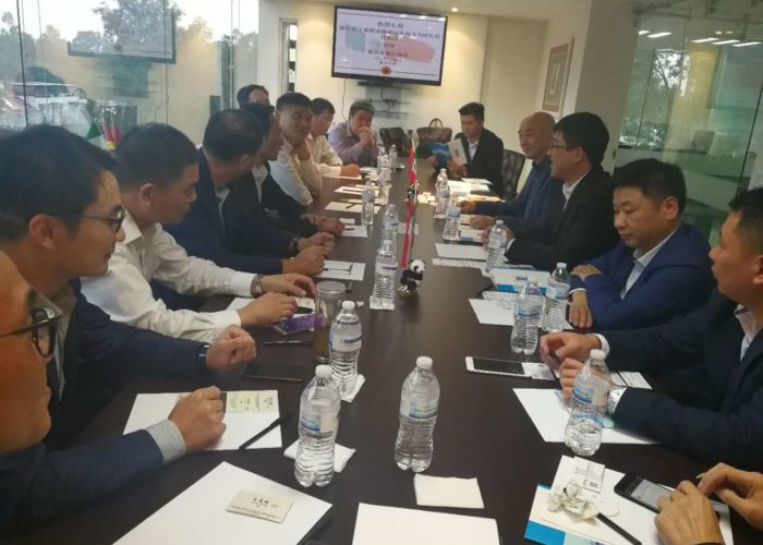 Junta con la delegación