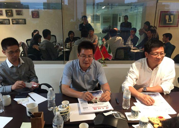 Editor adjunto del Periódico de Renmin-Zheng jian