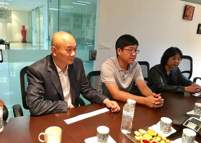 Representantes de Huawen Times